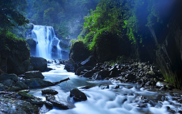 Beautiful Taiwan Forest Waterfalls (click to view)