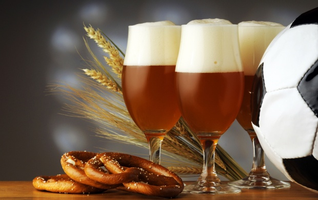 Beer Glass And Wheat (click to view)