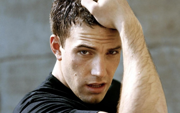 Ben Affleck In Black T Shirt (click to view)