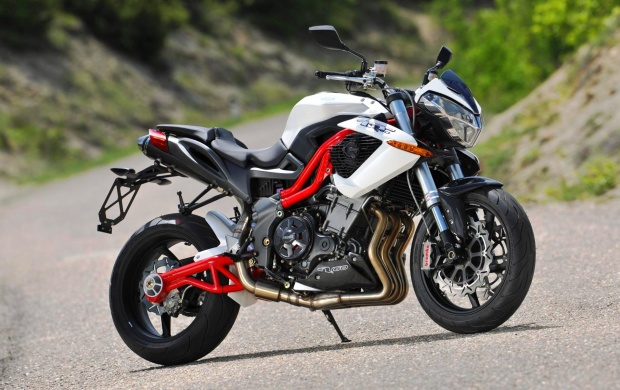 Benelli Tnt R160 First Ride (click to view)