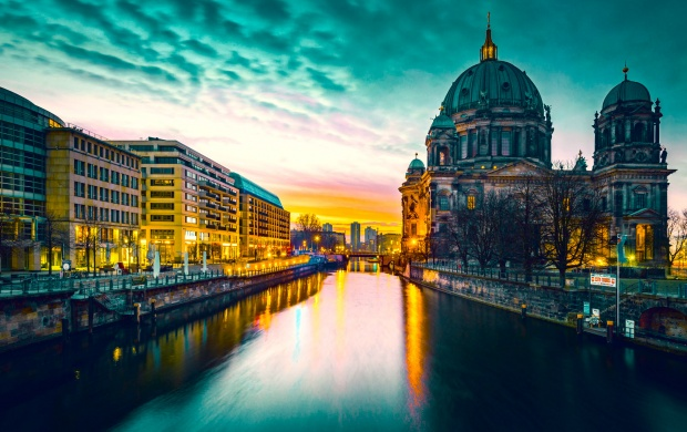 Berliner Dom (click to view)