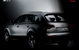 Best Look Audi Q7 shadowed