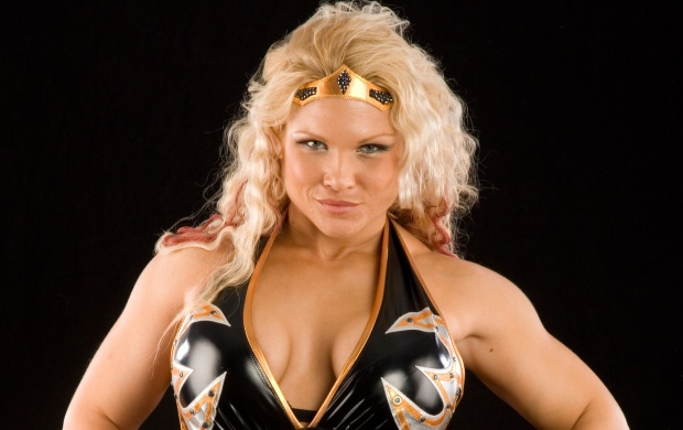 Beth Phoenix (click to view)