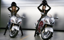 Beyonce And Jennifer Lopez On Bike