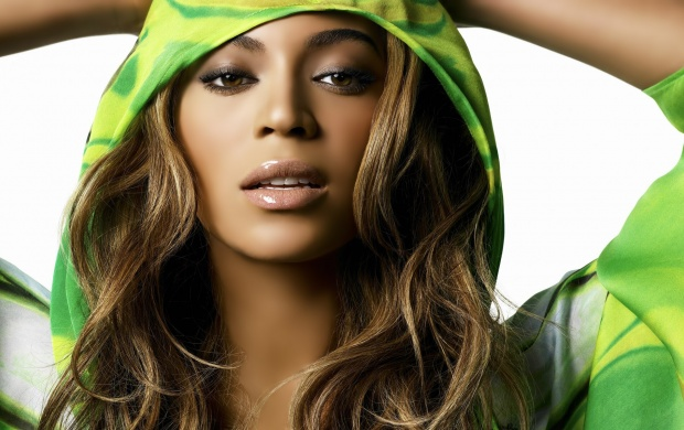 Beyone Knowles In Green (click to view)