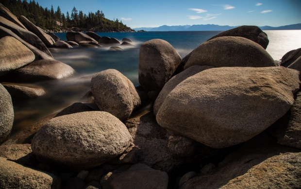 Big Rounded Lake Rocks (click to view)