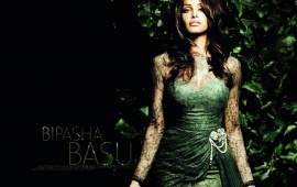 Bipasha Basu Green Dress