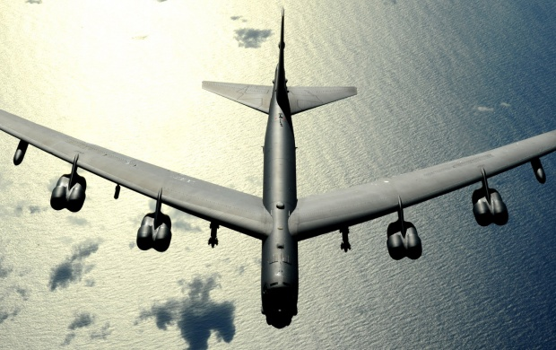 Boeing B-52 Stratofortress (click to view)
