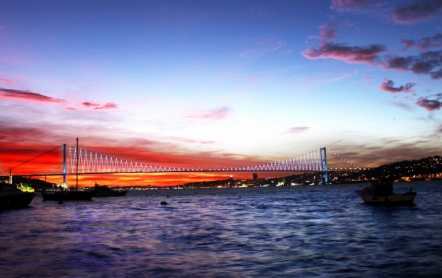 Bosphorus Bridge Istanbul (click to view)