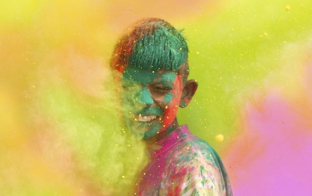 Boy Celebrate Holi Colour (click to view)