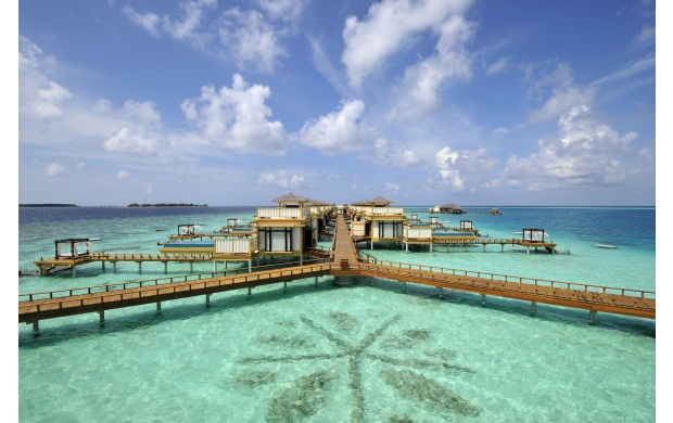 Bungalow Water Resort (click to view)
