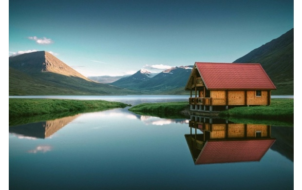 Cabin On Mountain Lake (click to view)