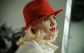 Cameron Diaz Red Hat