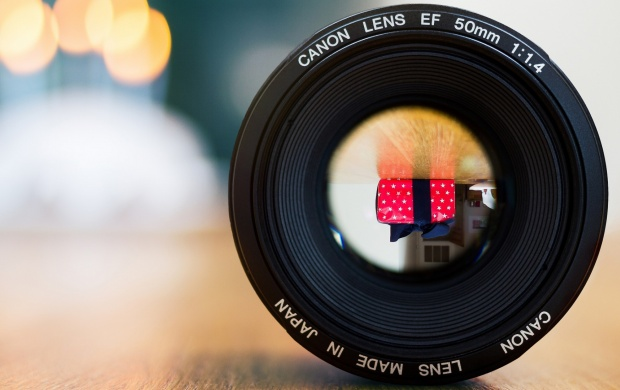 Canon Lens EF 50mm (click to view)