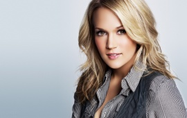 Carrie Underwood - Blonde hair