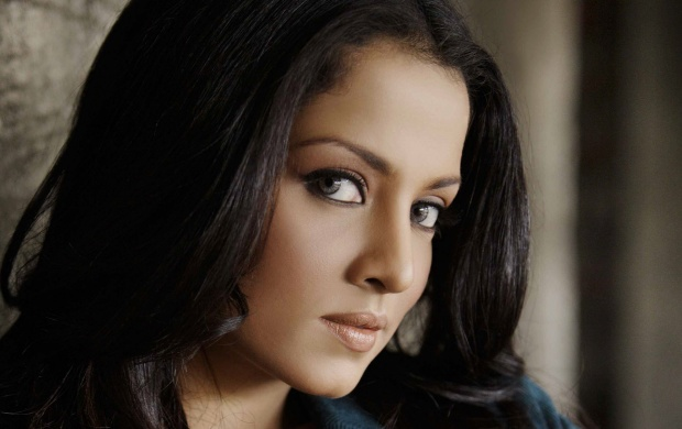 Celina Jaitley Close Up (click to view)