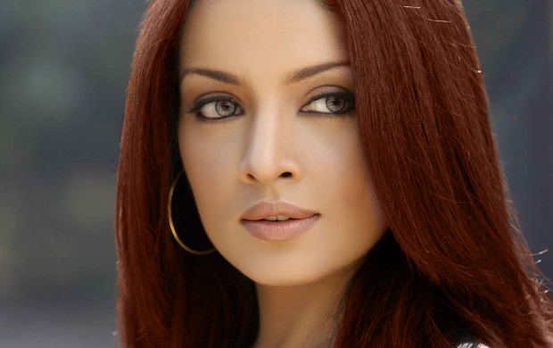 Celina Jaitley In Close Up (click to view)