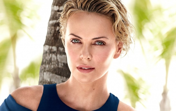Charlize Theron (click to view)