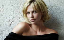 Charlize Theron Look