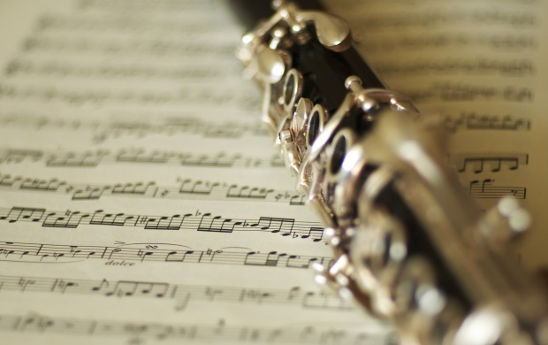 Clarinet And Music Notes (click to view)