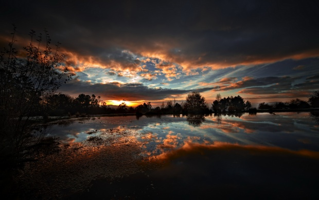 Clouds And Dark Sunset Lakes (click to view)
