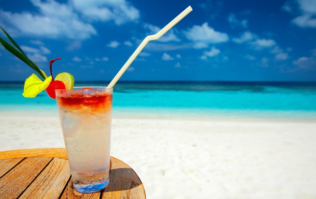 Cocktail On White Sand Beach (click to view)