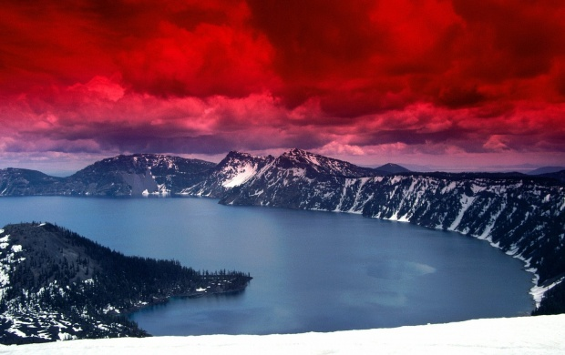 Crater Lake Oregon (click to view)