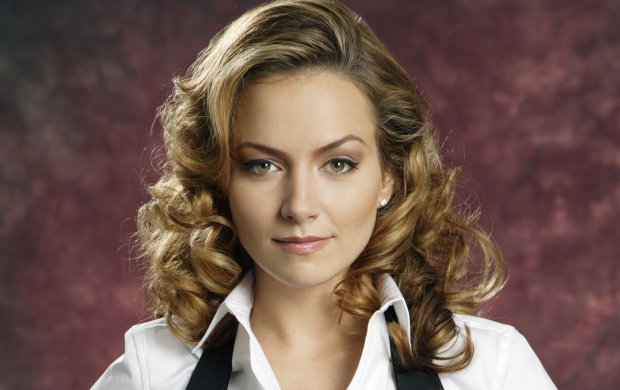 Cute Becki Newton (click to view)