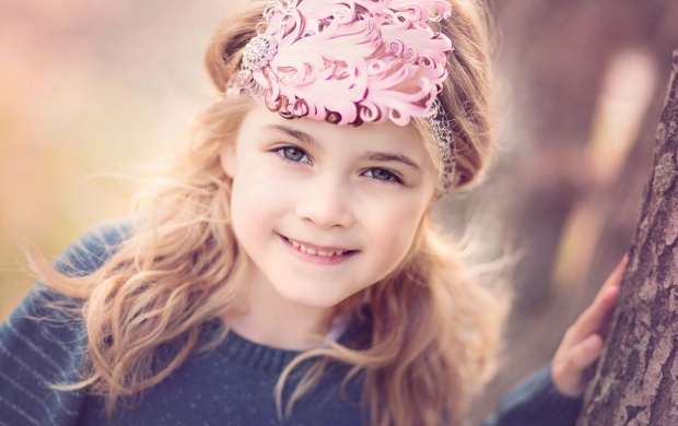 Cute Blond Girl Smiling (click to view)