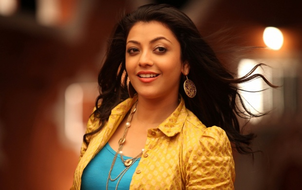 Cute Kajal Smile (click to view)
