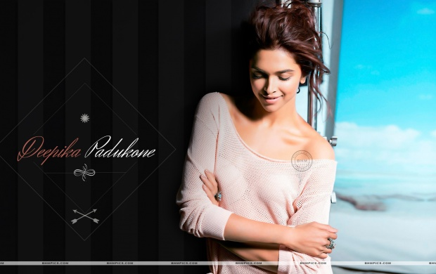 Cutest Smile Deepika Padukone (click to view)