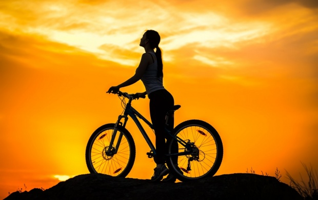 Cycling Mountain Sunset (click to view)