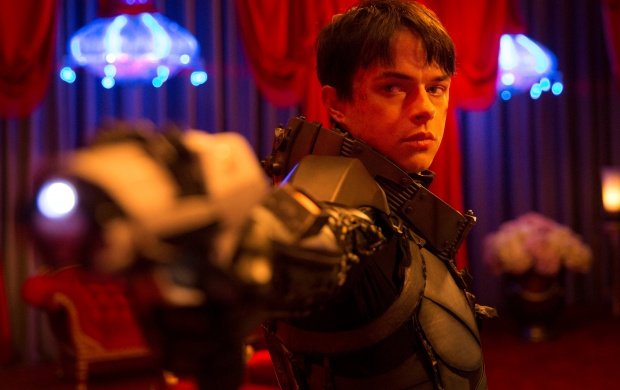 Dane DeHaan In Valerian And The City Of A thousand Planets (click to view)