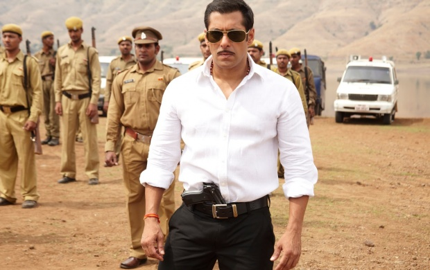Dashing Salman Khan (click to view)