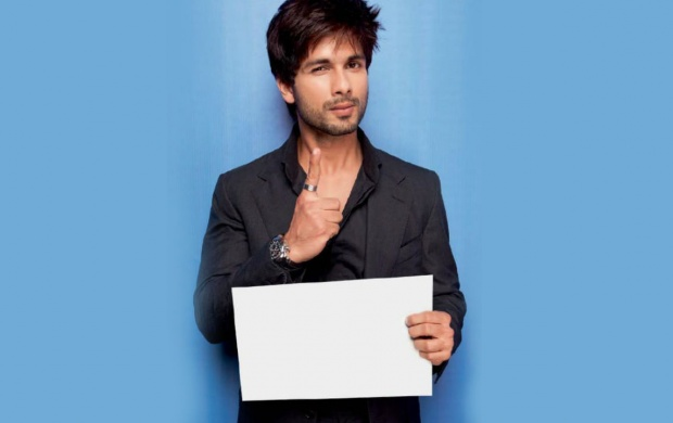 Dashing Shahid Kapoor (click to view)