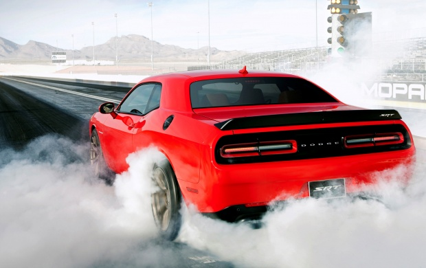 Dodge Challenger SRT Hellcat 2015 (click to view)