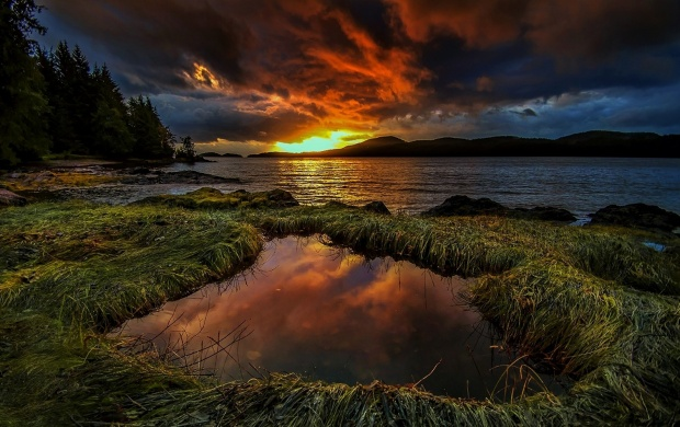 Dramatic Lake Sunset (click to view)