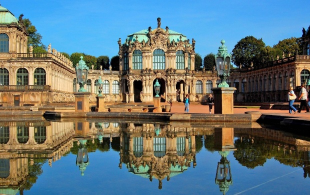 Dresden Zwinger Palace (click to view)