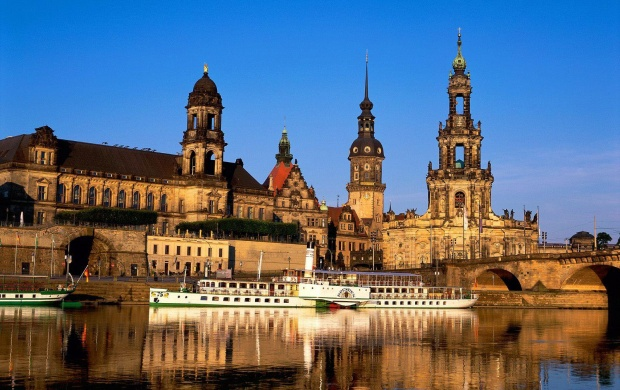 Elbe River Dresden Germany (click to view)