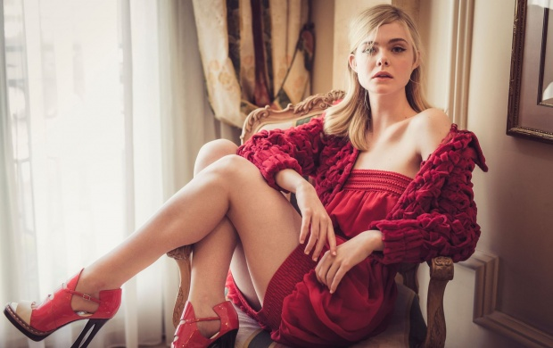 Elle Fanning CFF 2016 (click to view)