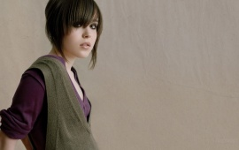 Ellen Page In Side Pose
