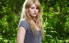 Emilie De Ravin with amazing eyes