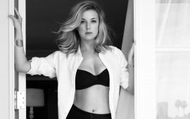 Emily VanCamp Sharp 2016