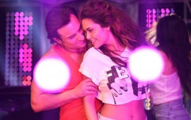 Esha Gupta And Saif Ali Khan In Humshakals