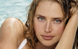 Estella Warren Close Up