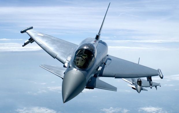 Eurofighter Typhoon Flying (click to view)