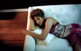 Eva mendes sleeping in couch