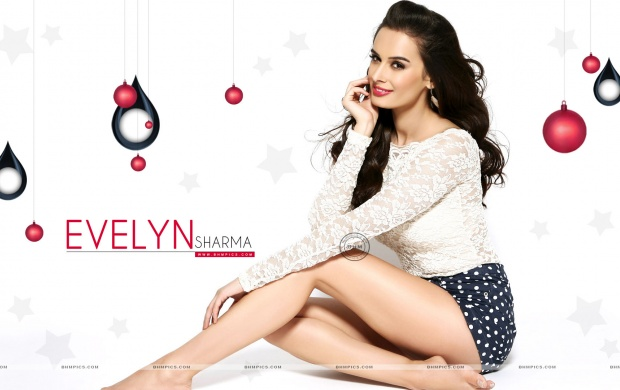 Evelyn Sharma Beautiful Legs (click to view)