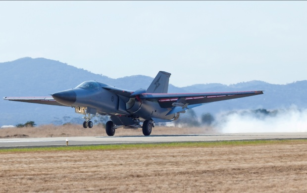 F111 Landing (click to view)