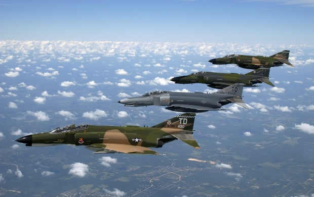 F 4 Phantom II (click to view)